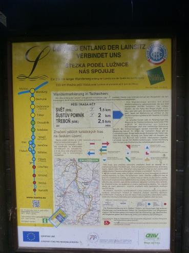 Infotafel vor dem Grenzübergang Josefsthal